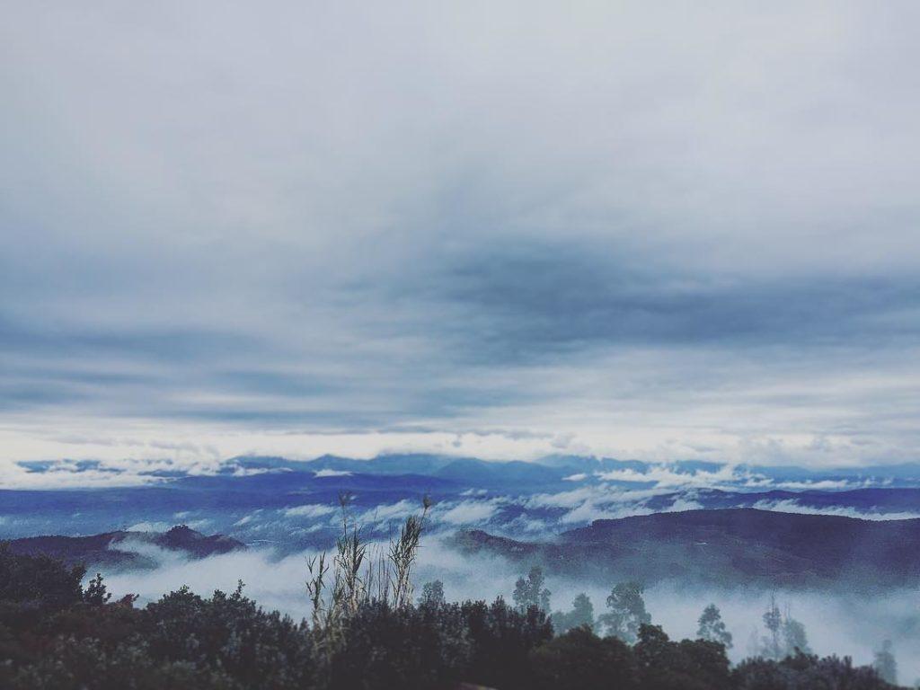 Θέα από ύψωμα της Άρνας